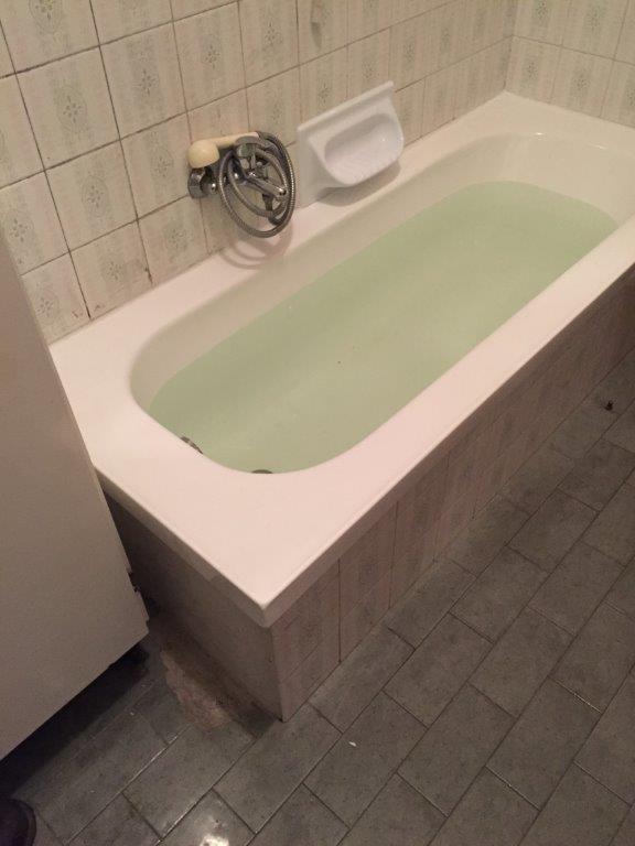 Sovrapposizione vecchia vasca da bagno fava impiantifava - Vasca da bagno vecchia ...